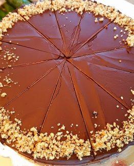 Шоколадово-лешникова торта без захар