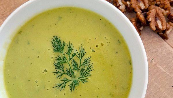 Свежа лятна супа от тиквички с авокадо. Бърза и приятна рецепта